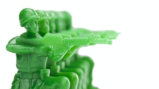 Pourquoi est-il fasciné par les jouets de guerre ?