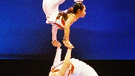 Etoilé : le cirque Phenix