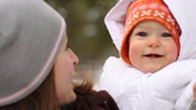 Bébé en sécurité au ski
