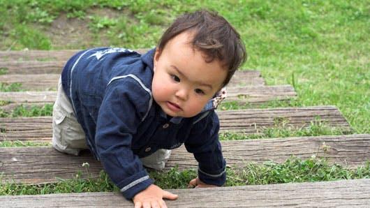 apprentissage escalier bébé