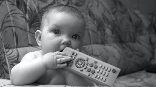 Télé pour bébés : la polémique