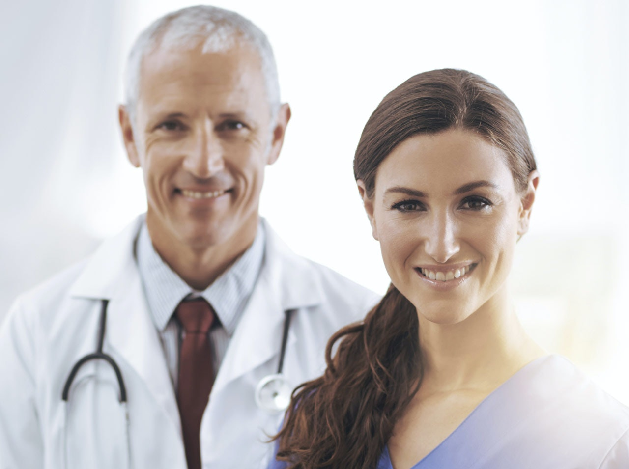 Sage-femme ou obstétricien : comment choisir ?