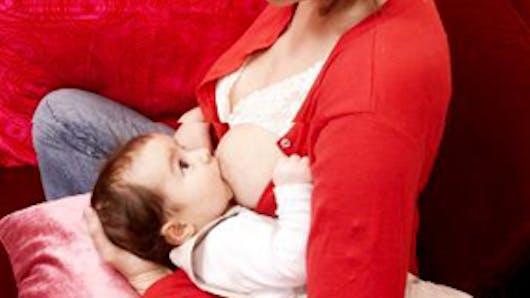 J'allaite, je peux prolonger mon congé maternité ?