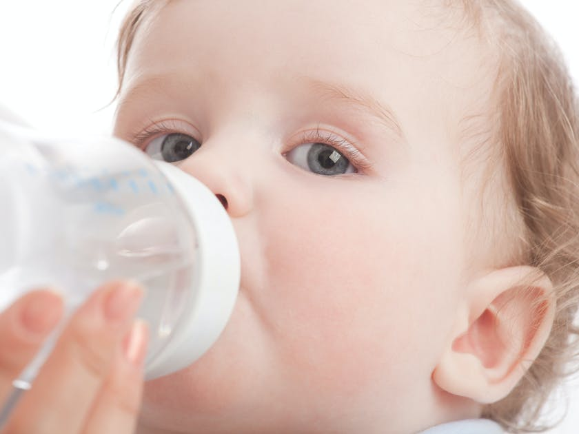 lait b b tout savoir sur le lait infantile. Black Bedroom Furniture Sets. Home Design Ideas