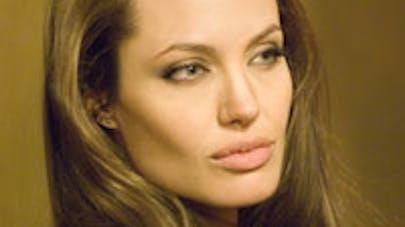 Angelina n'est pas enceinte !