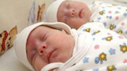 Jumeaux nés à un an d'écart