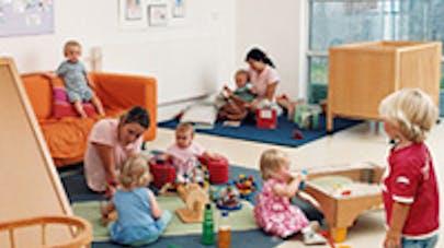 Bébés mieux gardés en banlieue