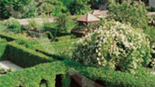 Le labyrinthe du jardin des 5 sens for Le jardin des 5 sens