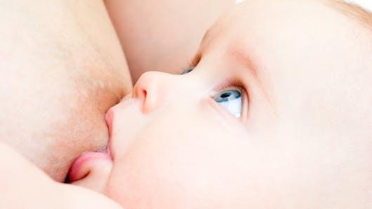 Se soigner avec le lait maternel