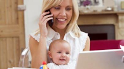 Mamans accros aux smartphones