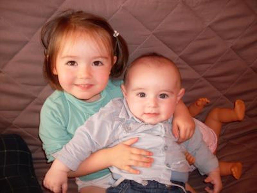 Emma (2 ans et demi) et Clément (7 mois)