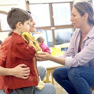 Mon enfant est violent à l'école, que faire ?