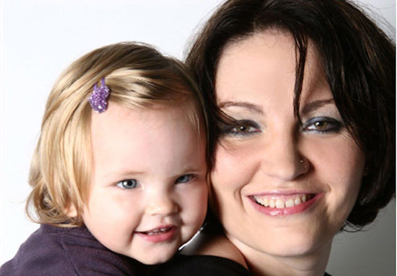 Cykea et sa fille Gillian (18 mois)