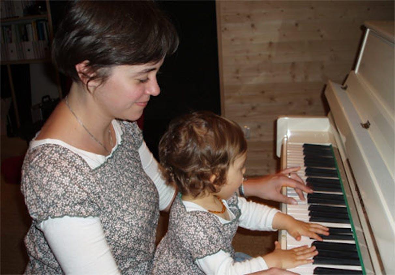 Eminesfred et sa fille Inès (un an et demi)