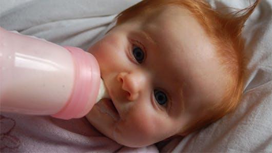 Concours photo « Bébé au biberon »