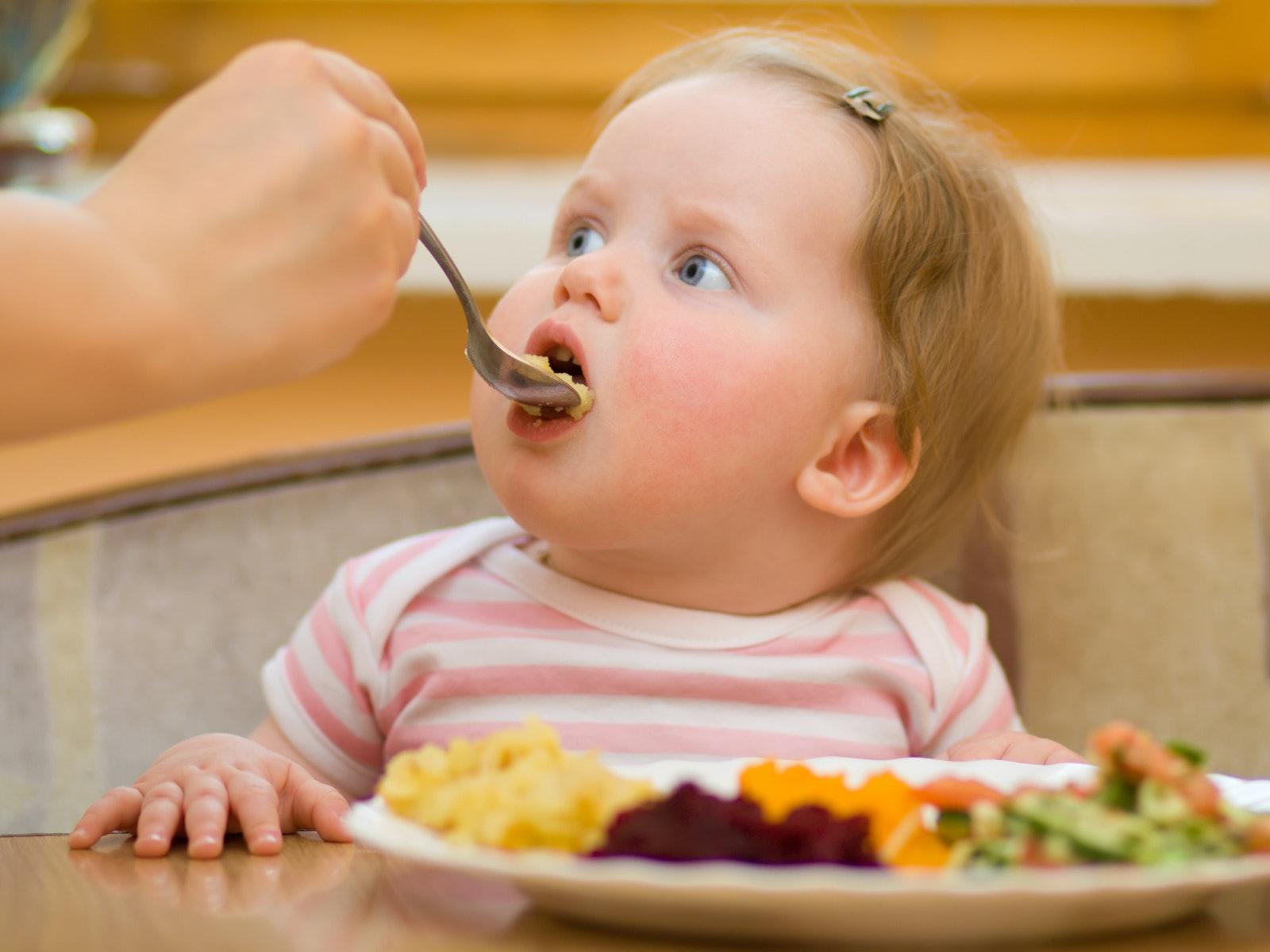 Malbouffe : les astuces des mamans pour une bonne   alimentation