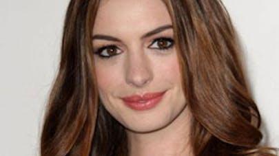 Anne Hathaway, enceinte ?