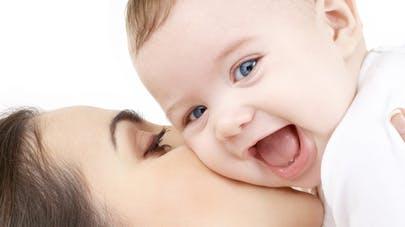 Les comptines stimulent les interactions   maman-bébé