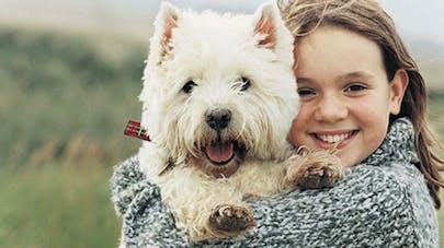 Une fillette perdue, sauvée grâce à la chaleur de son   chien