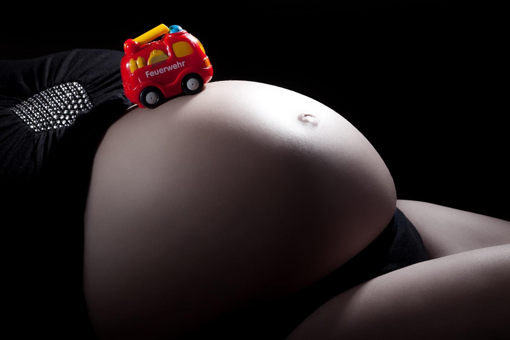 Tempête de neige : elle accouche dans le camion des   pompiers