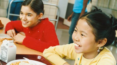 Cantines scolaires : des progrès dans les écoles   publiques