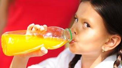 Smoothies et jus : mauvais pour les dents des   enfants