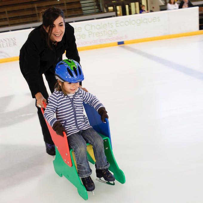 enfant patinoire image