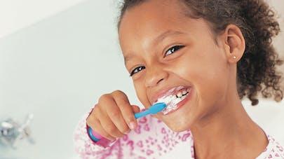 Les vieilles brosses à dents pas si nocives pour les   enfants