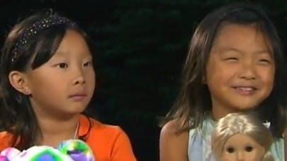 Séparées à la naissance, des jumelles chinoises se   retrouvent sept ans plus tard