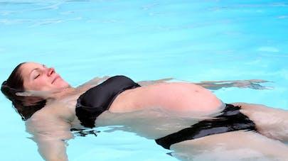 Grossesse et piscine : risque d'asthme et d'eczéma chez   l'enfant