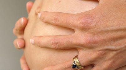 Grossesse : les infections sexuellement transmissibles   augmentent les risques de complications