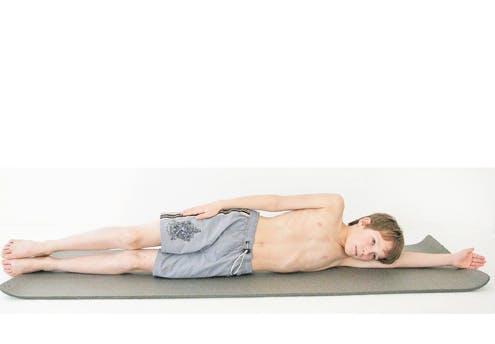 Mouvement 4 : position allongée sur le côté