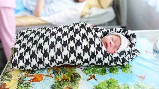 Les pratiques de maternage moins répandues