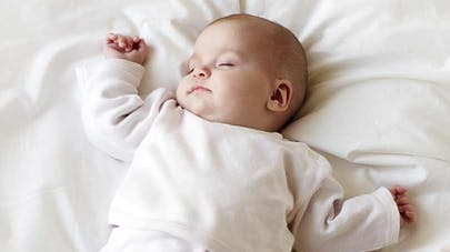 Un sommeil suffisant diminuerait les troubles de poids   chez l'enfant