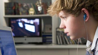 Les nouvelles technologies en cause dans le mal de dos des   enfants