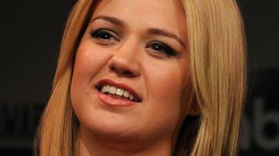 Kelly Clarkson est enceinte