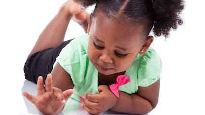 Tablettes tactiles : attention à la vue des enfants   !