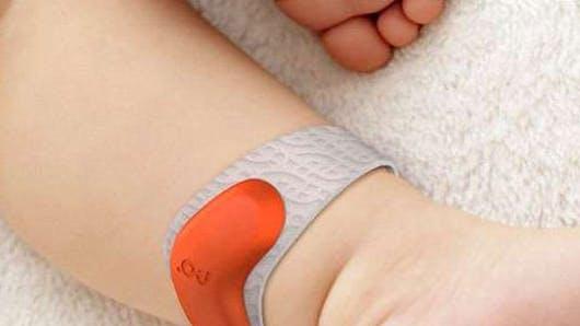Baby Monitor : un bracelet connecté pour bébé