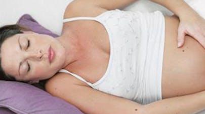 Avoir un rhume, enceinte, favorise l'asthme de   l'enfant