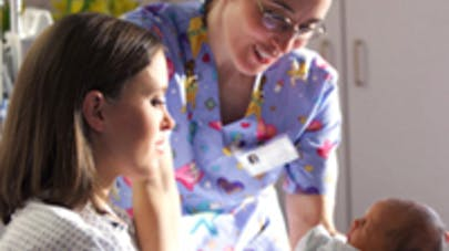 Les sages-femmes portent plainte contre les représentants   des gynécologues-obstétriciens