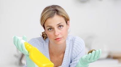 70 % des mères estiment s'occuper plus des tâches   ménagères que leur conjoint
