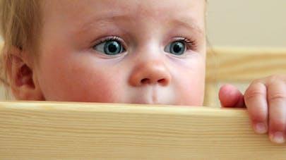 Né sous X, un bébé est restitué à son père   biologique