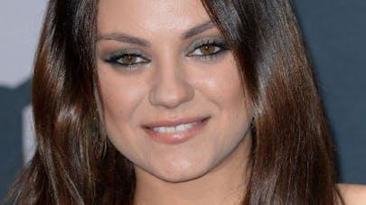 Accouchement de Mila Kunis : Ashton devra rester à sa  place !