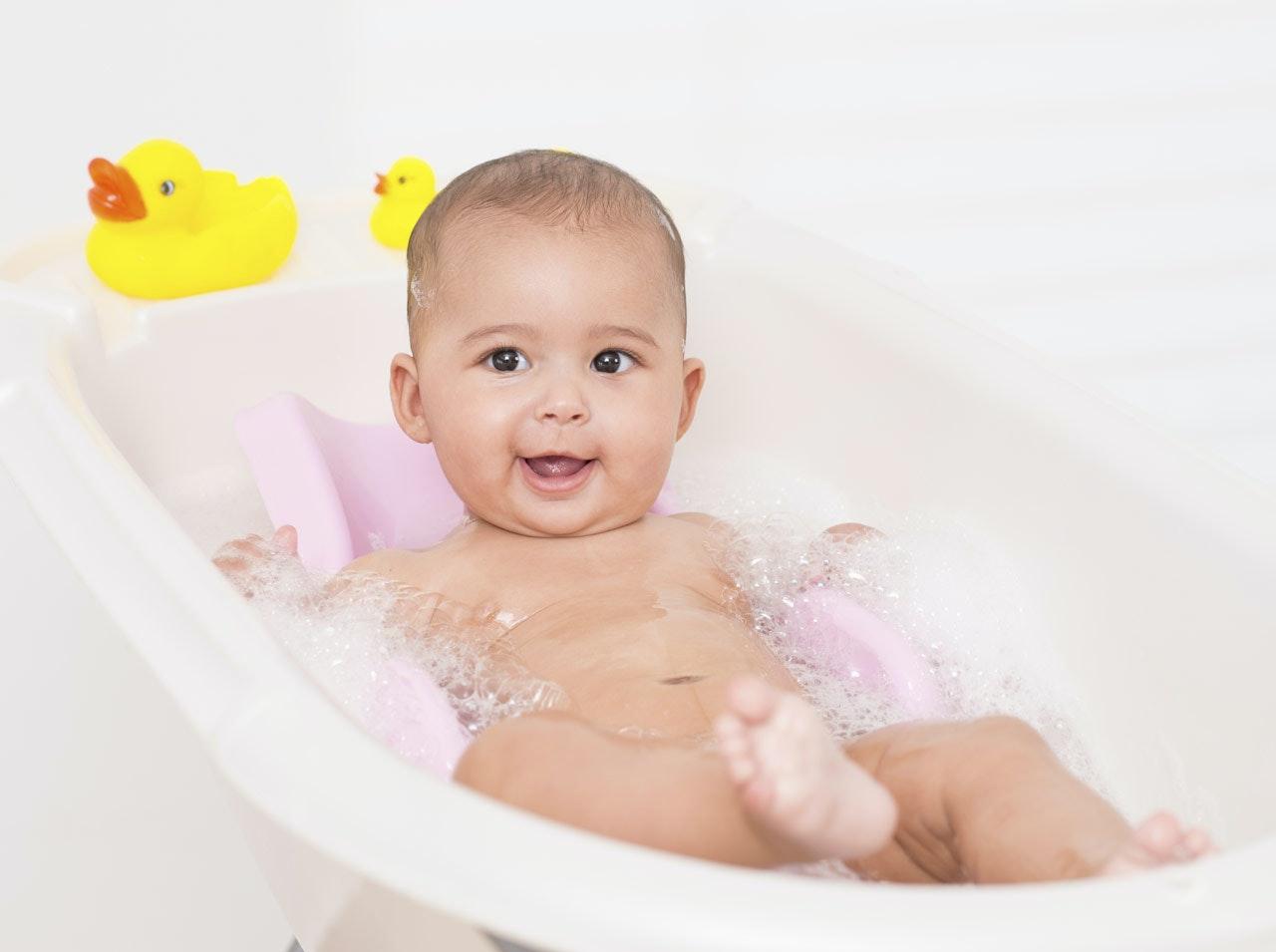 Toilette de b b bien choisir le mat riel d 39 hygi ne de son b b - Comment choisir le matelas de bebe ...