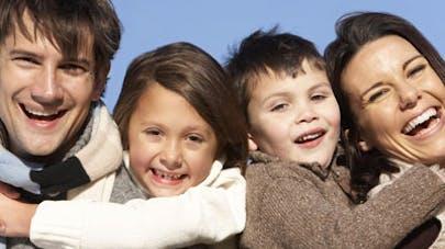 Les parents heureux en couple seraient plus impliqués dans   l'éducation de leurs enfants