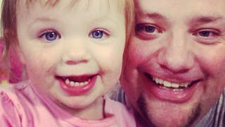 Izzy et son papa Greg Wickherst