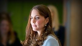 Kate Middleton avec son manteau bleu