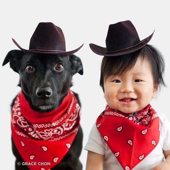 Photos : une maman habille son fils et son chien avec les   mêmes costumes !