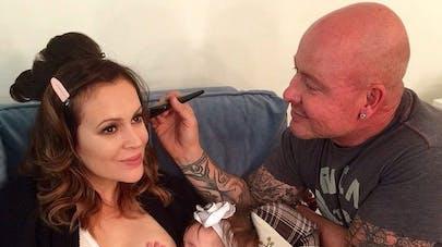 Alyssa Milano publie, à nouveau, une photo d'elle en train   d'allaiter