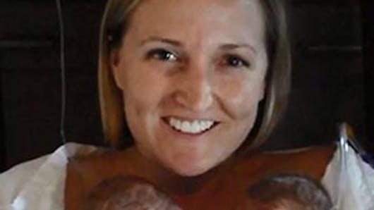 Australie : un bébé déclaré mort revient à la vie grâce à   la chaleur de sa maman